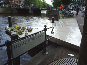 Illustratie Homomonument Amsterdam - almost daily people put flowers there